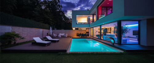 What are 3 swimming pool trends in 2020?